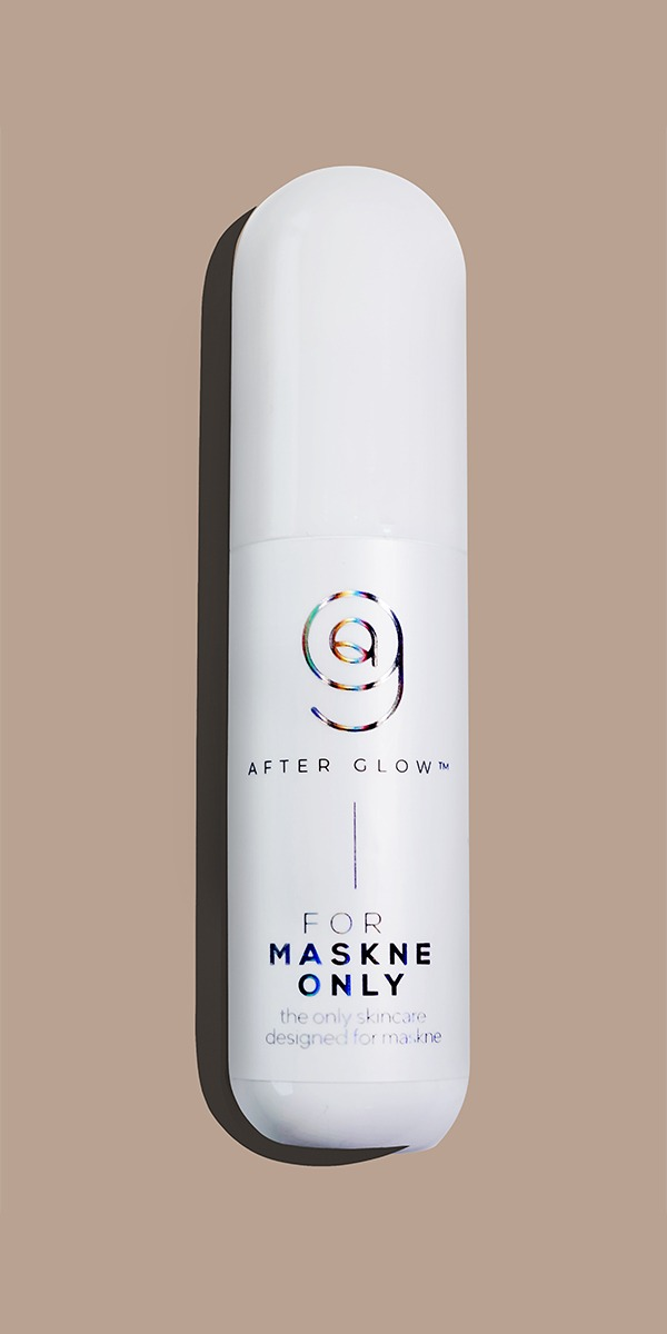 AfterGlow Anti-Bacterial Hydrating Mist contains 100% plant based extracts that provide maximum hydration for your skin without any harsh chemicals. It works as a pick-me-up hydration mist & with it's anti-bacterial components, it helps cure MASKNE cause by prolonged usage of wearing a mask due to the friction on your skin, which can lead to skin irritation and breakouts. Plant based extracts provides treatment skincare to your face & skin, adding on a protective layer with every spritz. Regulation application results in hydrated & supple skin with an anti-bacterial barrier that protects your skin against external aggressors.